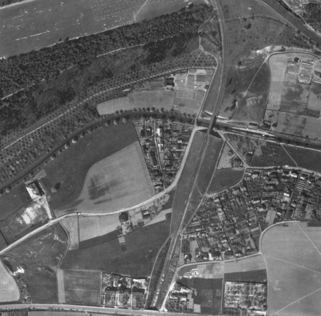 nouzova-kolonie-pred-mostem-letecky-snimek-1945