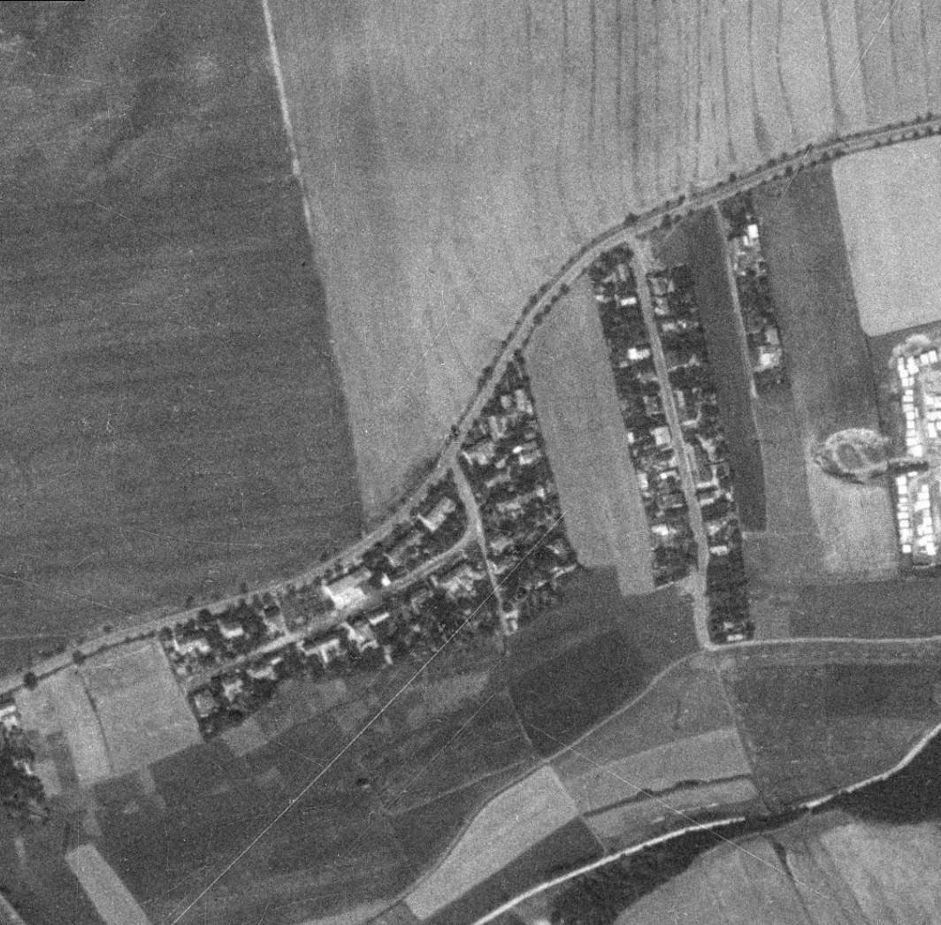 nouzova-kolonie-na-kosiku-letecky-snimek-1953
