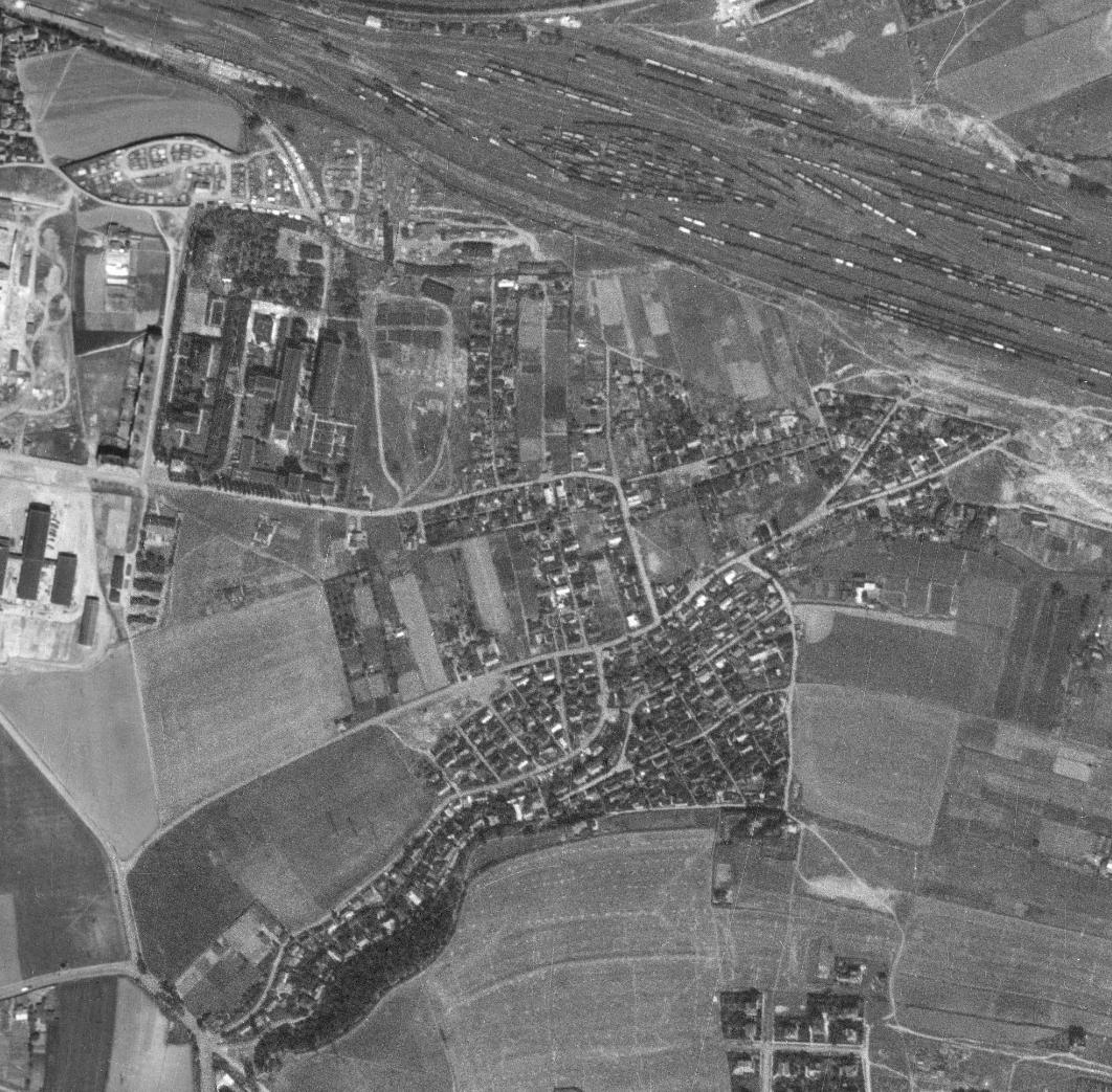 nouzova-kolonie-na-slatinach-letecky-snimek-1953