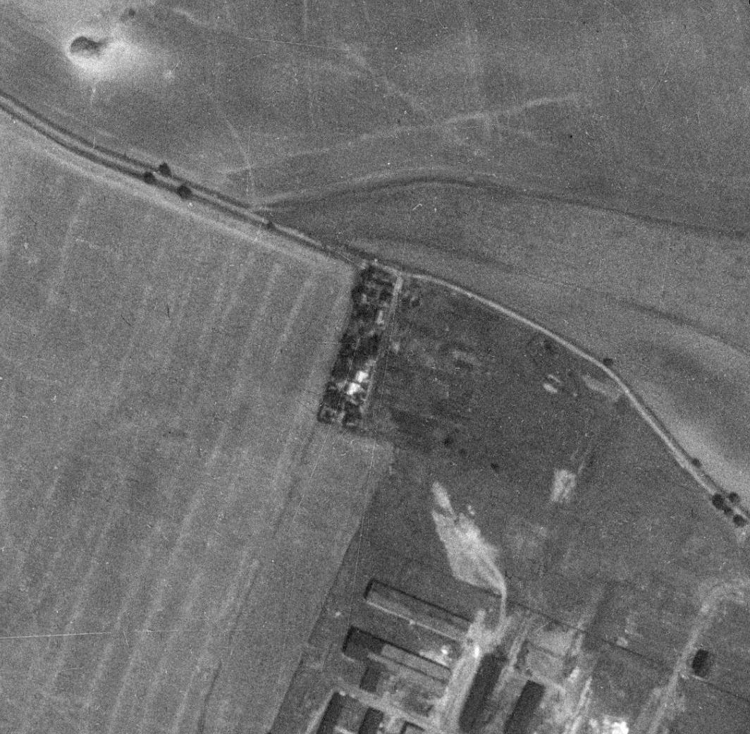 nouzova-kolonie-u-obecni-cihelny-letecky-snimek-1953