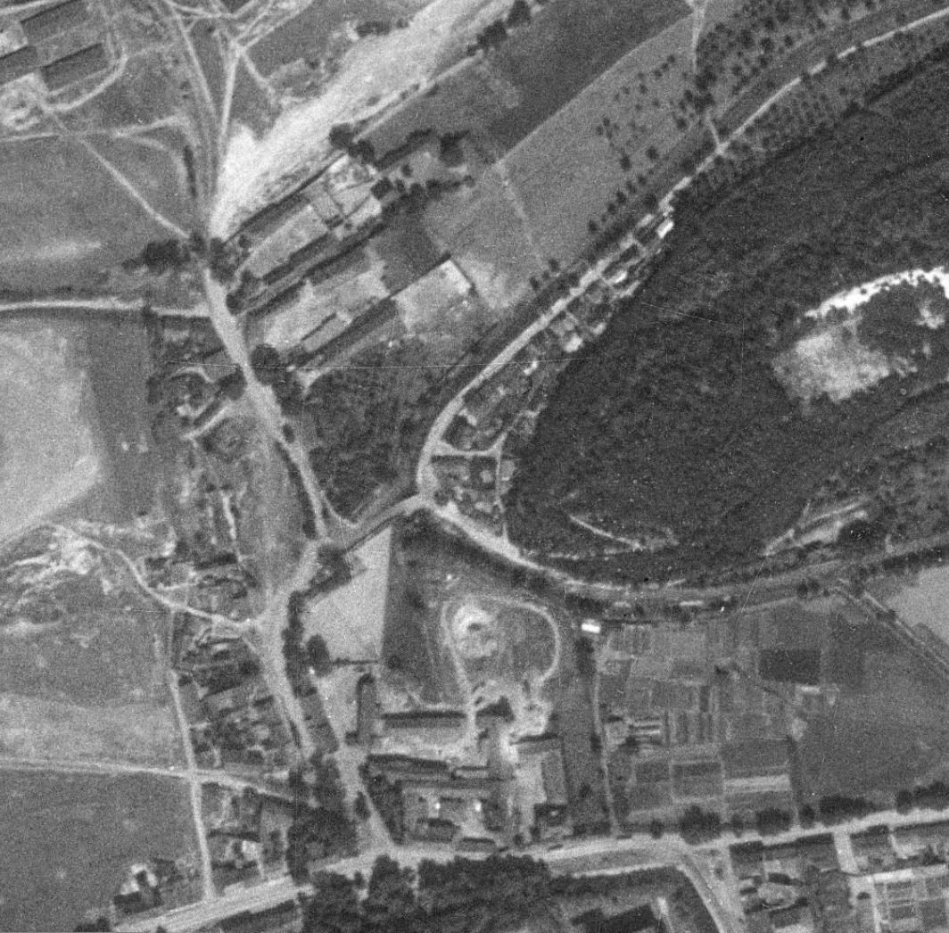 nouzova-kolonie-v-piskovne-letecky-snimek-1953