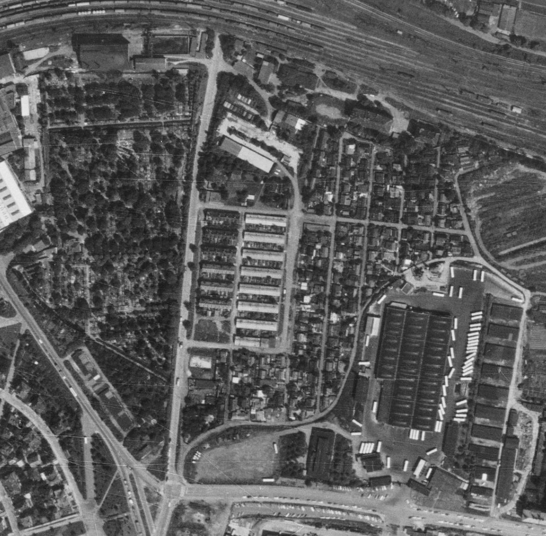 nouzova-kolonie-pod-bohdalcem-letecky-snimek-1975