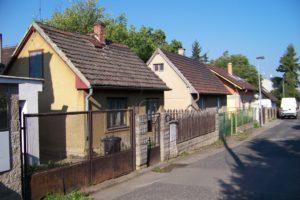 nouzova-kolonie-za-drahou-domy