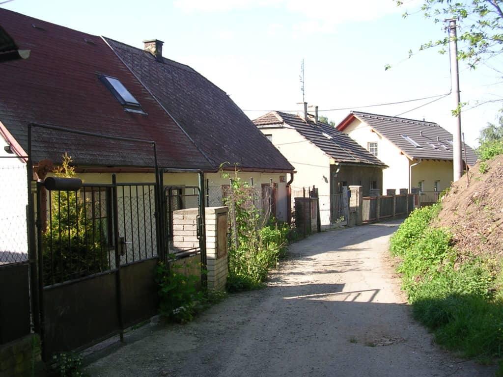 nouzova-kolonie-pod-lesikem-domy