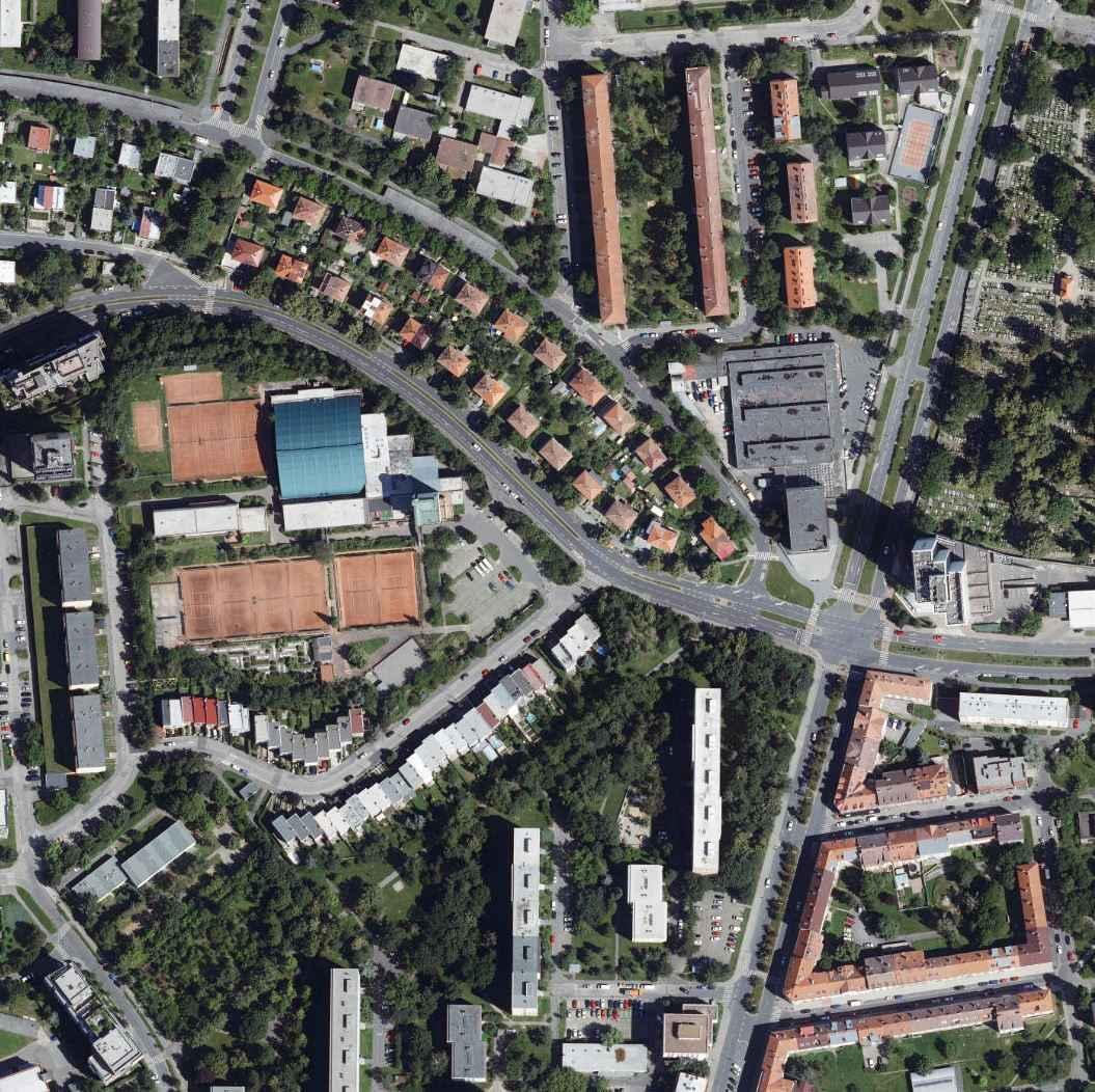nouzova-kolonie-na-dlouhe-ceste-letecky-snimek-2020