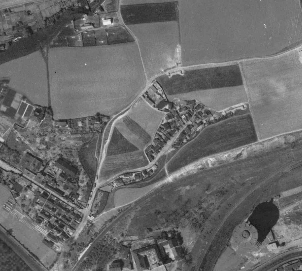 nouzova-kolonie-udoli-desu-letecky-snimek-1945