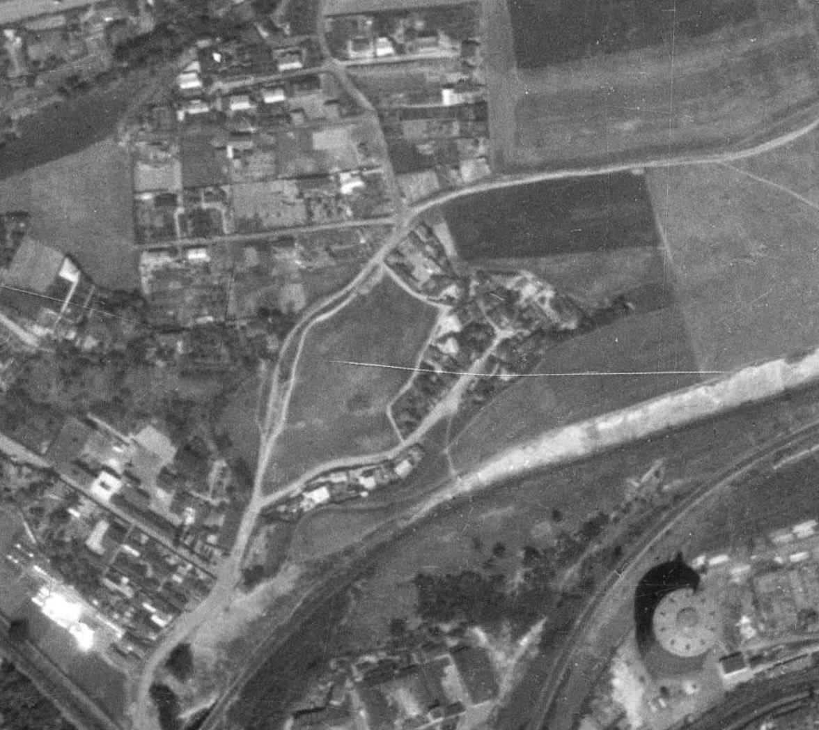 nouzova-kolonie-udoli-desu-letecky-snimek-1953
