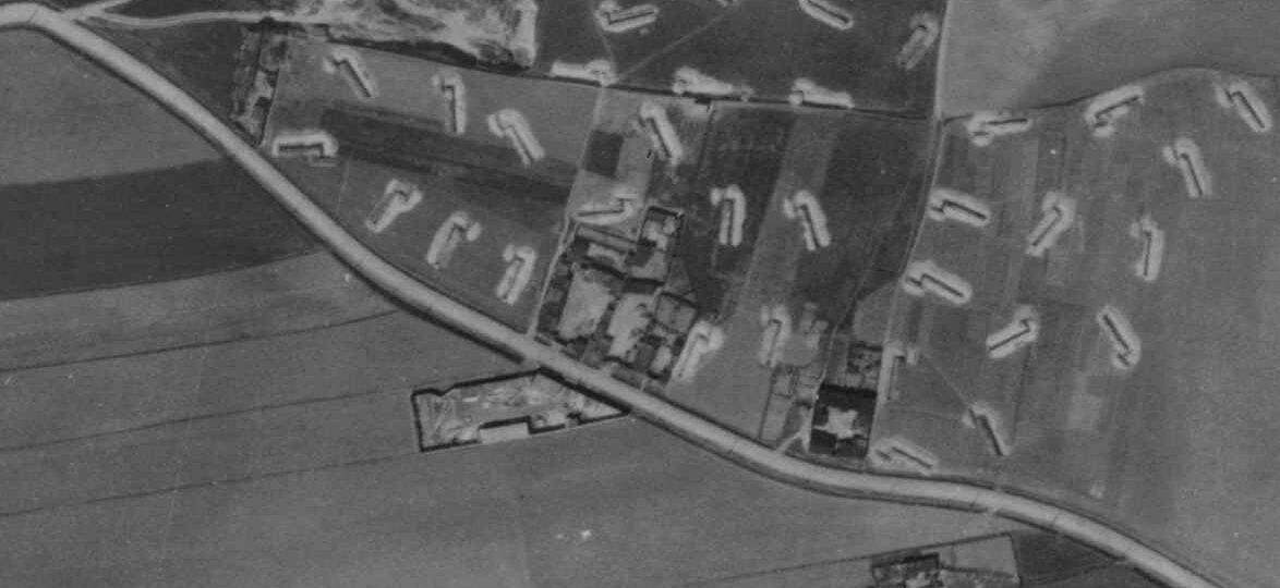nouzova-kolonie-k-vackovu-letecky-snimek-1945