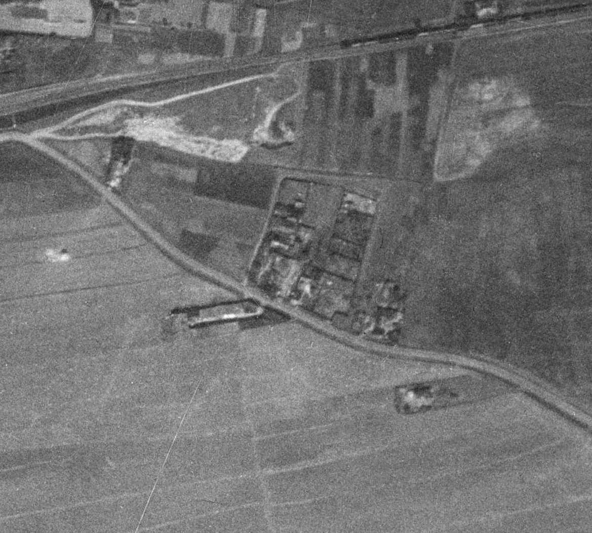 nouzova-kolonie-k-vackovu-letecky-snimek-1953