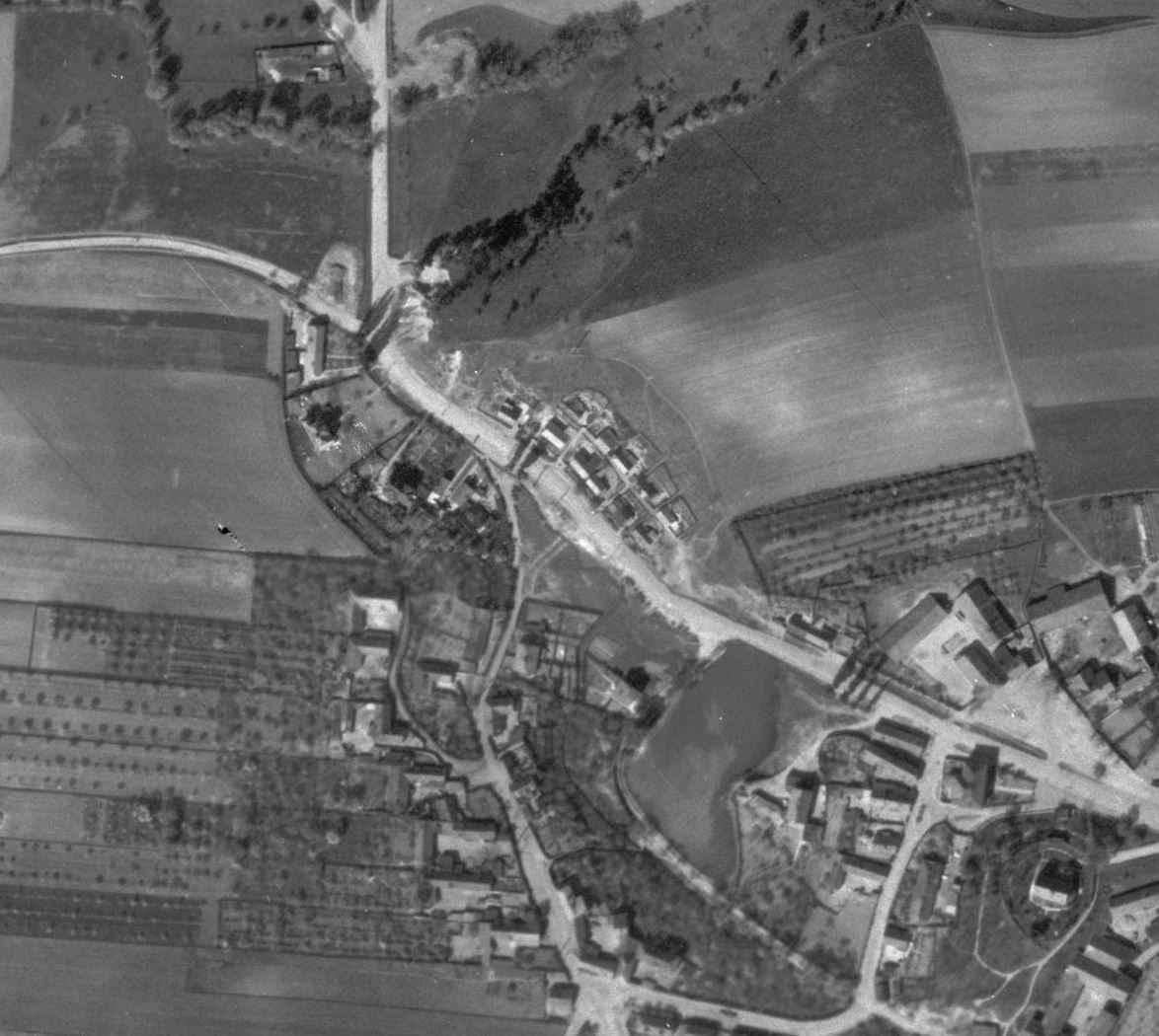 nouzova-kolonie-pod-zameckem-letecky-snimek-1945